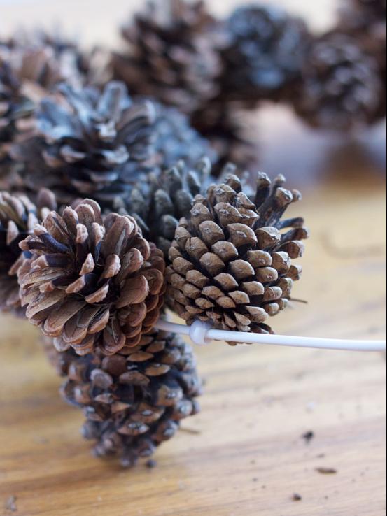 pinecone wreath 05