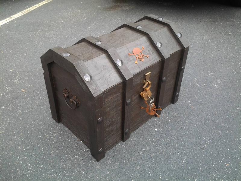 pirate-treasure-coolbox-04