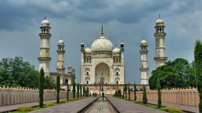 10 World-Class Monuments That Have Their Twins. And They Look Just as Spectacular!