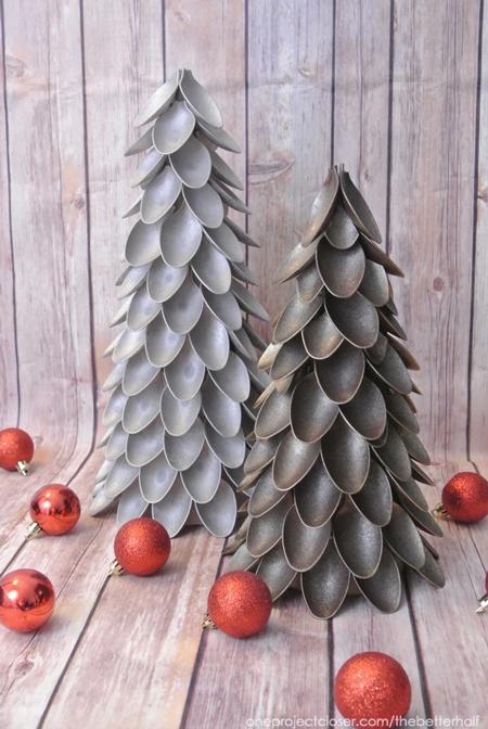 plastic-spoon-christmas-tree-fi