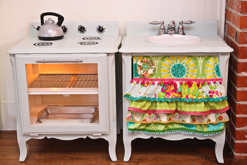 http://www.handimania.com/uploads/play-kitchen-for-kids-03.jpg