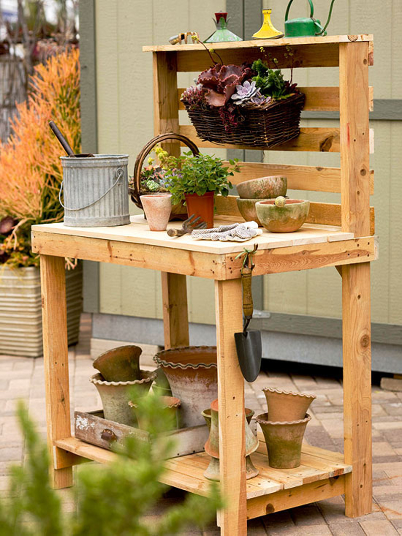 How to make potting bench diy crafts handimania for Diy outdoor pallet bench