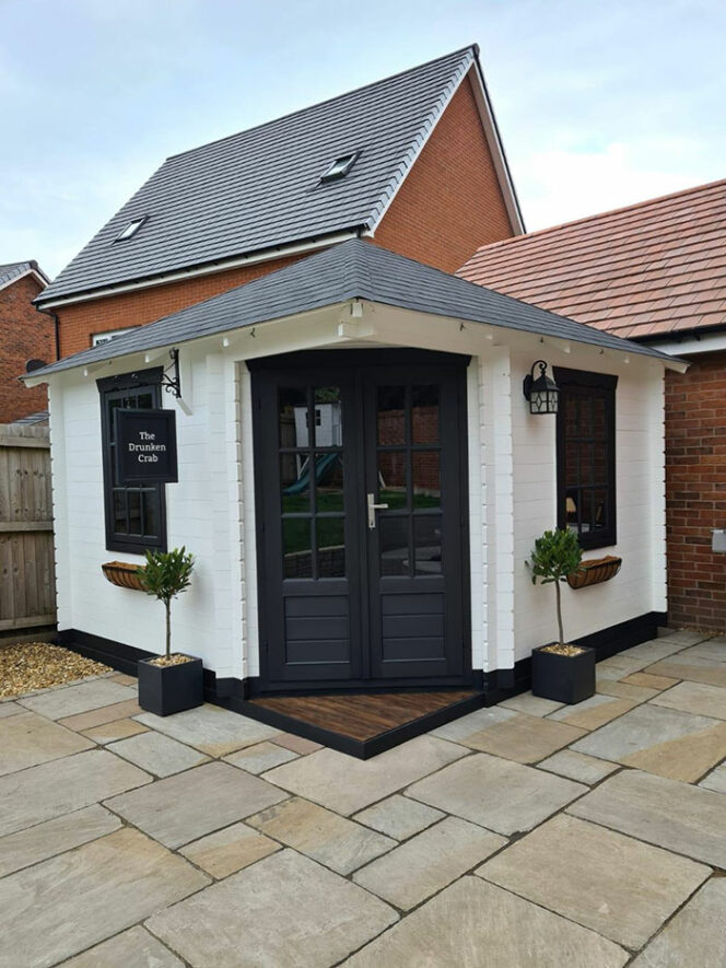 A Couple Builds a Mini-Pub in Their Garden in Just 3 Weeks. The Interior Is Gorgeous!