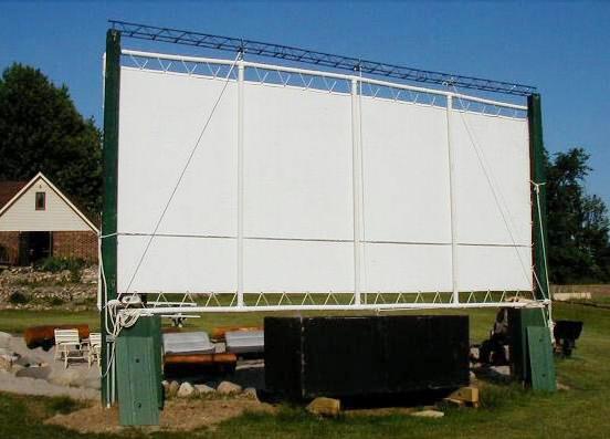 how to make pvc backyard movie screen craftspiration handimania. Black Bedroom Furniture Sets. Home Design Ideas