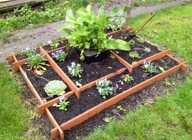 pyramid-garden-planter-02