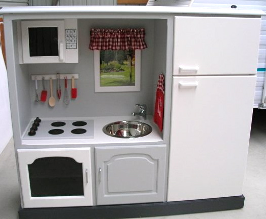 How to make repurposed play kitchen craftspiration - Television cocina ...