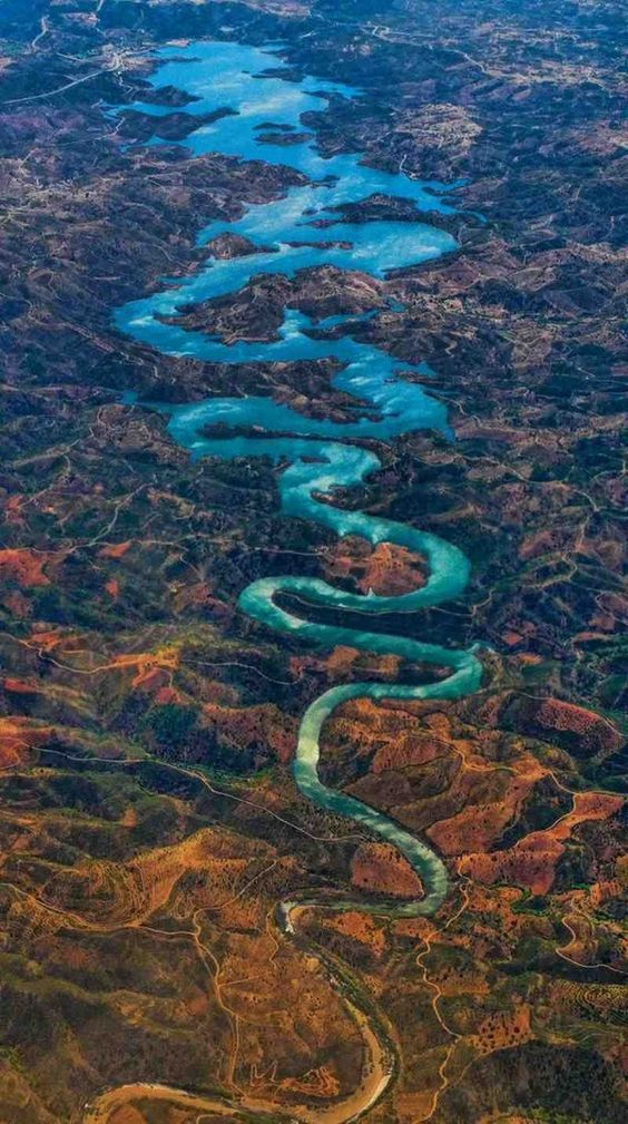 Top 16 Spectacular Rivers That Will Stun You with Their Unbelievable Beauty