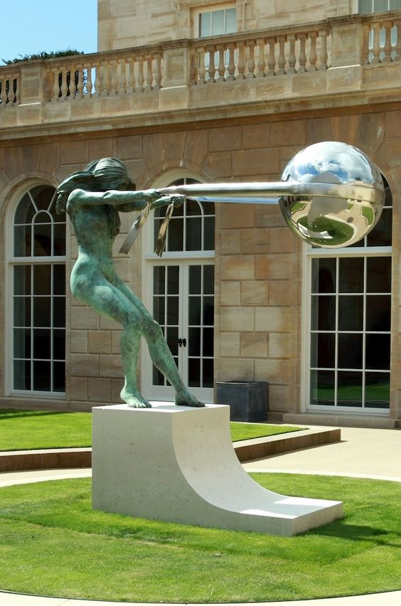 23 Spectacular Sculptures Defying Gravity. These Objects Literally Got Stuck in the Air