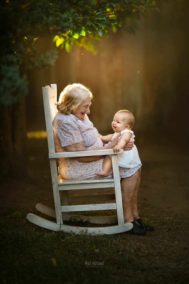 19 Warm Sun-Saturated Photos of Grandparents and Their Grandchildren. Some of the Most Beautiful Family Heirlooms!