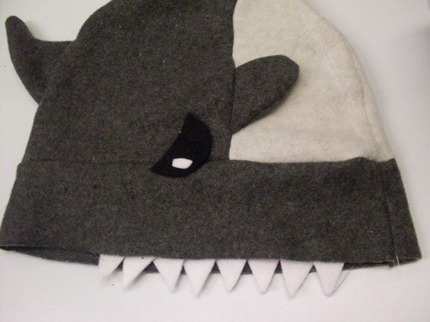 shark-attack-hat-01