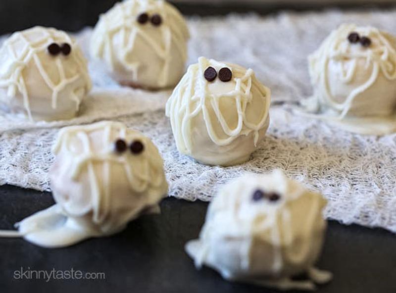 skinny-mummy-cake-balls-04