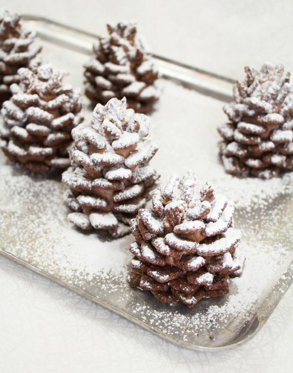 snowy-chocolate-pinecones-05