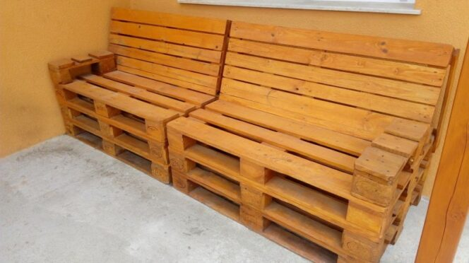 A Man Creates Some Stunning Furniture Using Wooden Pallets Only. Really Useful, Especially in the Summer!