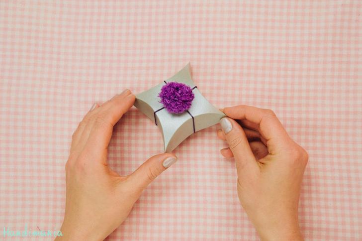 square-pillow-gift-box23