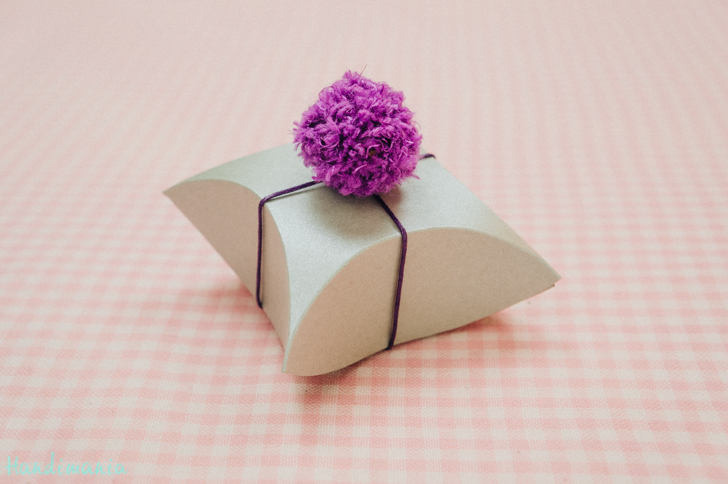 square-pillow-gift-box24