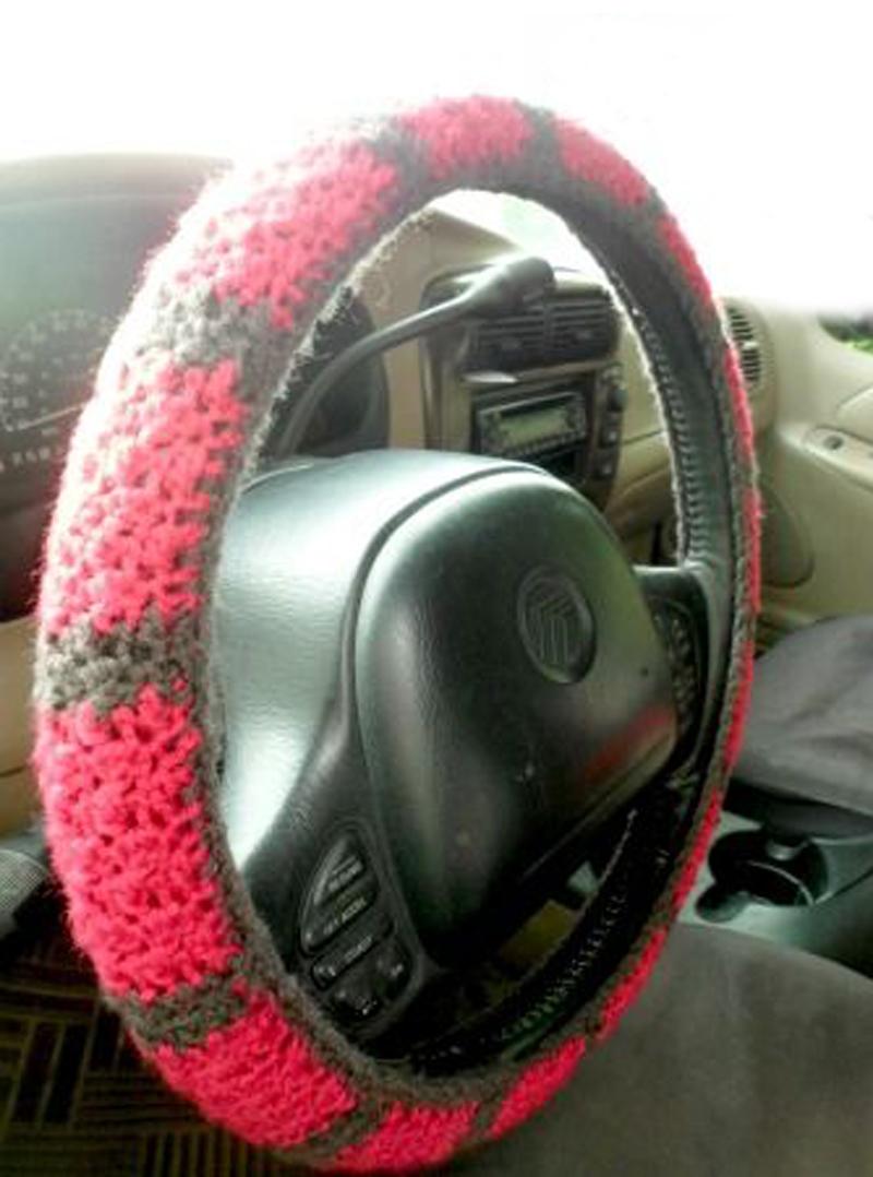 steering-wheel-crochet-cover-02