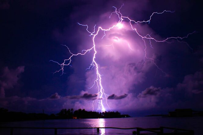 The Biggest Permanent Thunderstorm in the World. The Maracaibo Lighthouse Illuminates the Sky with Hundreds of Lightning Discharges