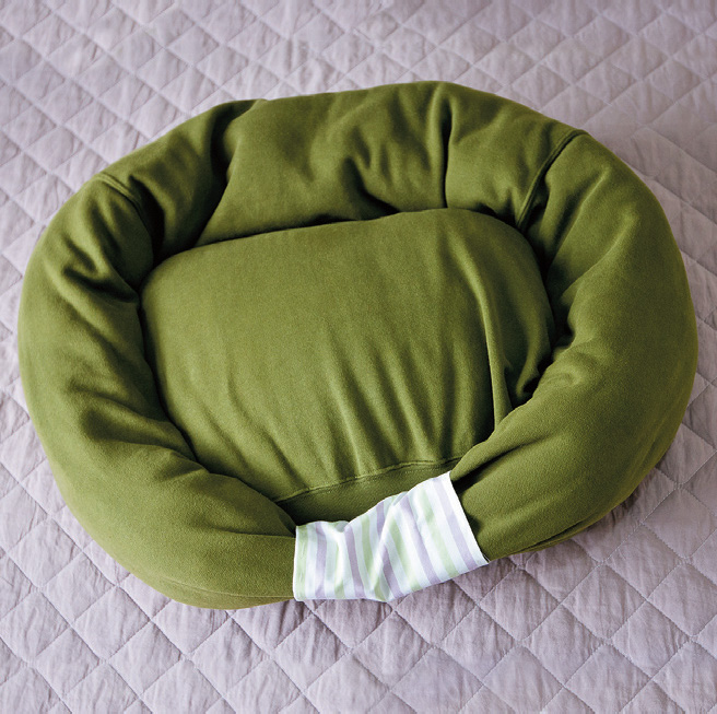 Sweatshirt Pet Bed 10