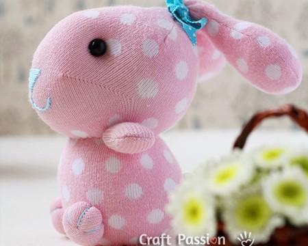 sweet-sock-bunnies-fi
