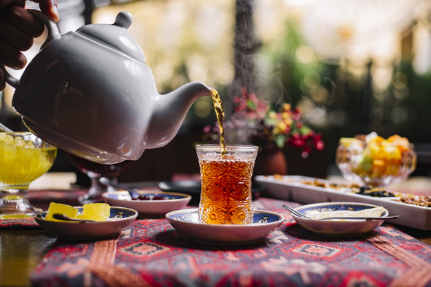 Professional Tea Taster Gives Away the Secret of Perfect Tea with Milk