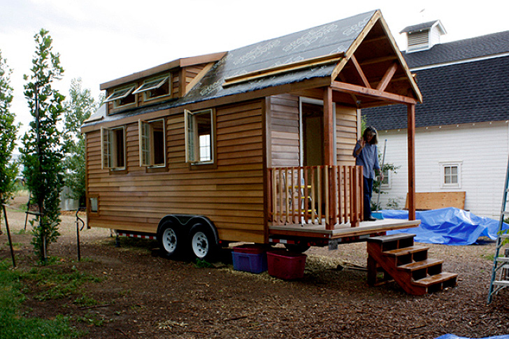 How To Make Tiny Home On Wheels Craftspiration Handimania