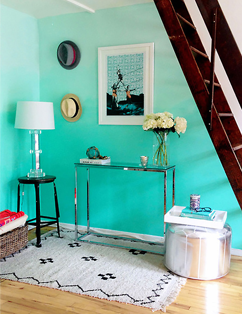How to make turquoise ombre wall diy crafts handimania for Bedroom ideas with teal walls