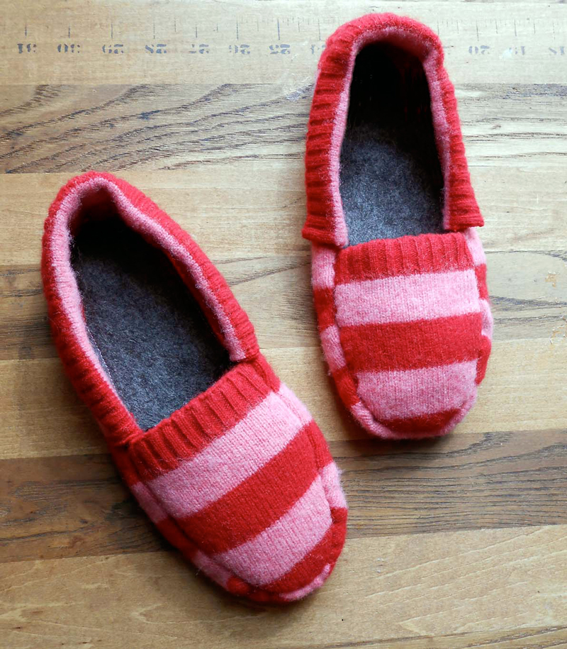 upcycled-sweater-slippers-02