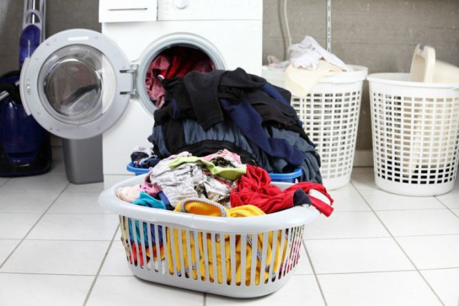 The Washing Power of Vinegar. It Works Better Than Commonly Used Detergents