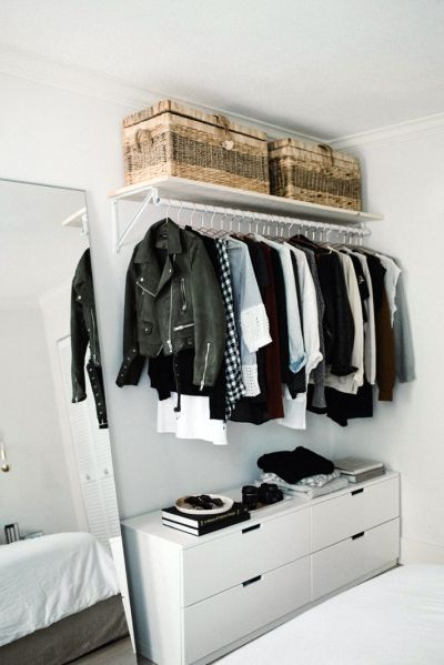 Cleaning up the Wardrobe – 7 Things You Should Throw Away Immediately!