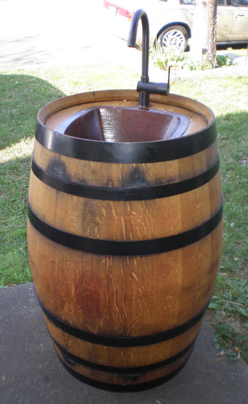 wine-barrel-outdoor-sink-03