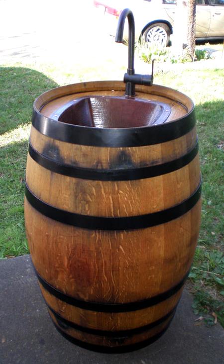 wine-barrel-outdoor-sink-fi