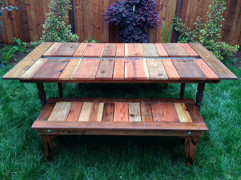 wood-picnic-table-with-planter-03