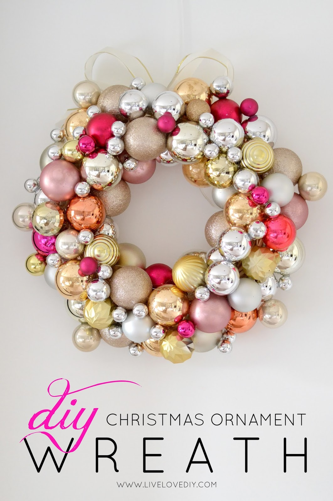 The best 25 christmas wreaths ideas source live love diy solutioingenieria Images