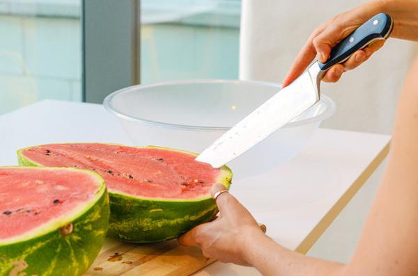 xxl-watermelon-jell-o-shots-01